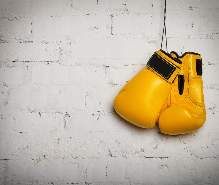 Usa siempre vendas de boxeo cuando uses el guante para que absorba el sudor.