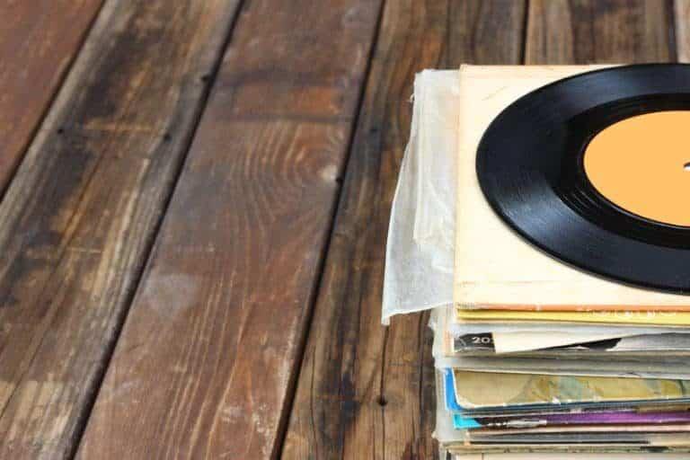Los viniles en su presentación son mucho mas grandes que un cd noraml