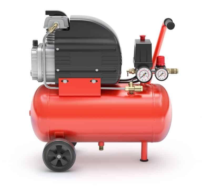 Es importante mantener la presión indicada por el fabricante y se debe revisar periódicamente y tras trayectos largos, siempre en frío.