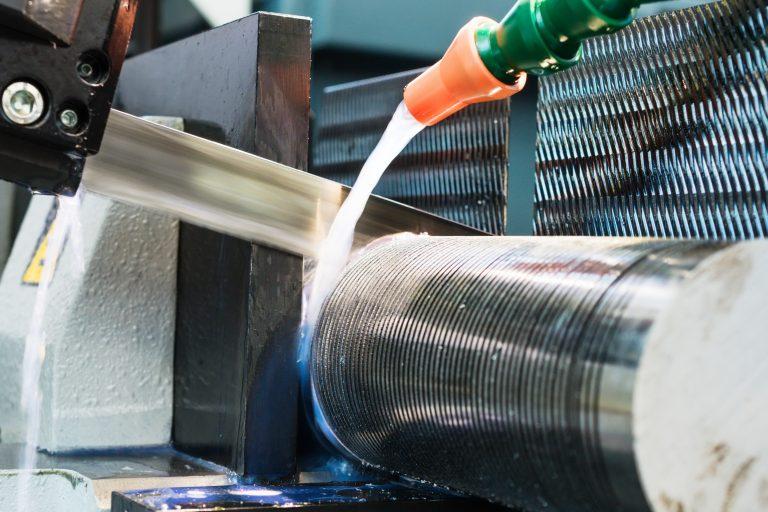 Como cualquier herramienta eléctrica, las sierras de cinta requieren ciertos cuidados.