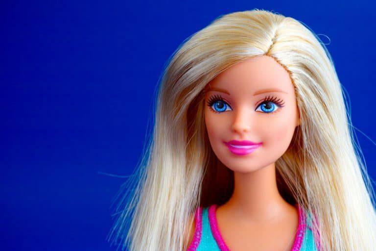 Barbie con traje de nadadora