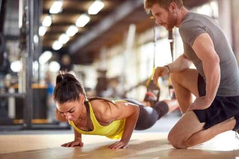 Es importante mantener buena postura a la hora de realizar ejercicio