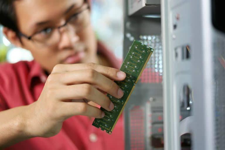 Colocando memoria RAM