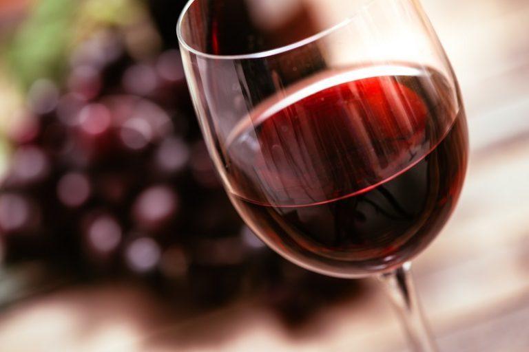 Hay que dejar respirar el vino para poder disfrutarlo más