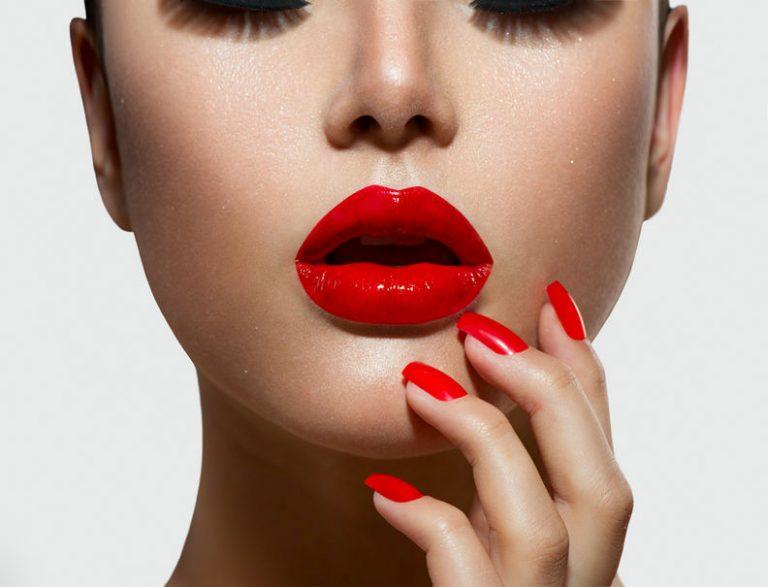 Red lips girl