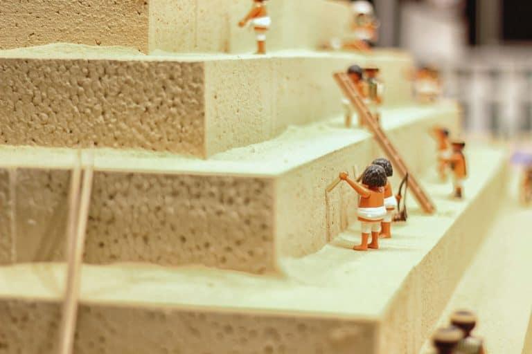 Playmobil pyramids