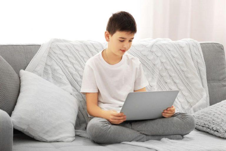 little kid using a ultrabook