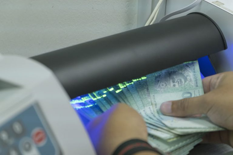 banknote detector is used to check the authenticity of money, pr