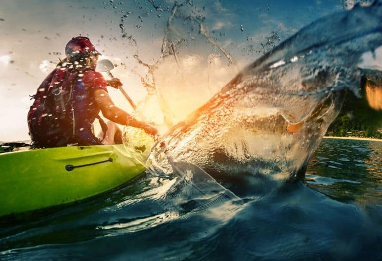 kayak-1-mihtiander-41327321_s-768x525