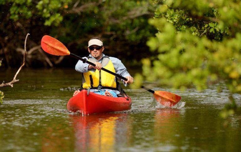 kayak-3-ftlaudgirl-26578469_s-768x485