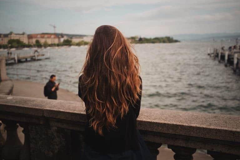 meisje met bruin haar