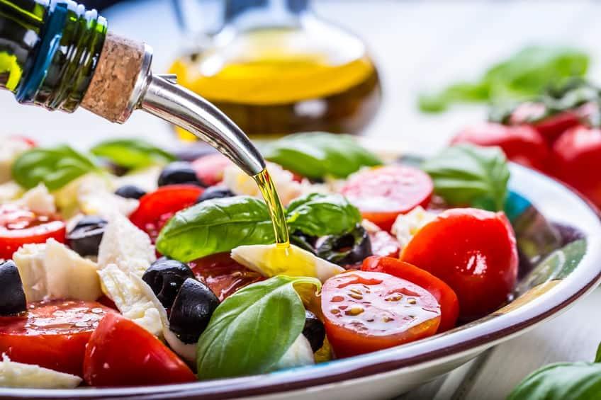 ensalada con aceite de oliva