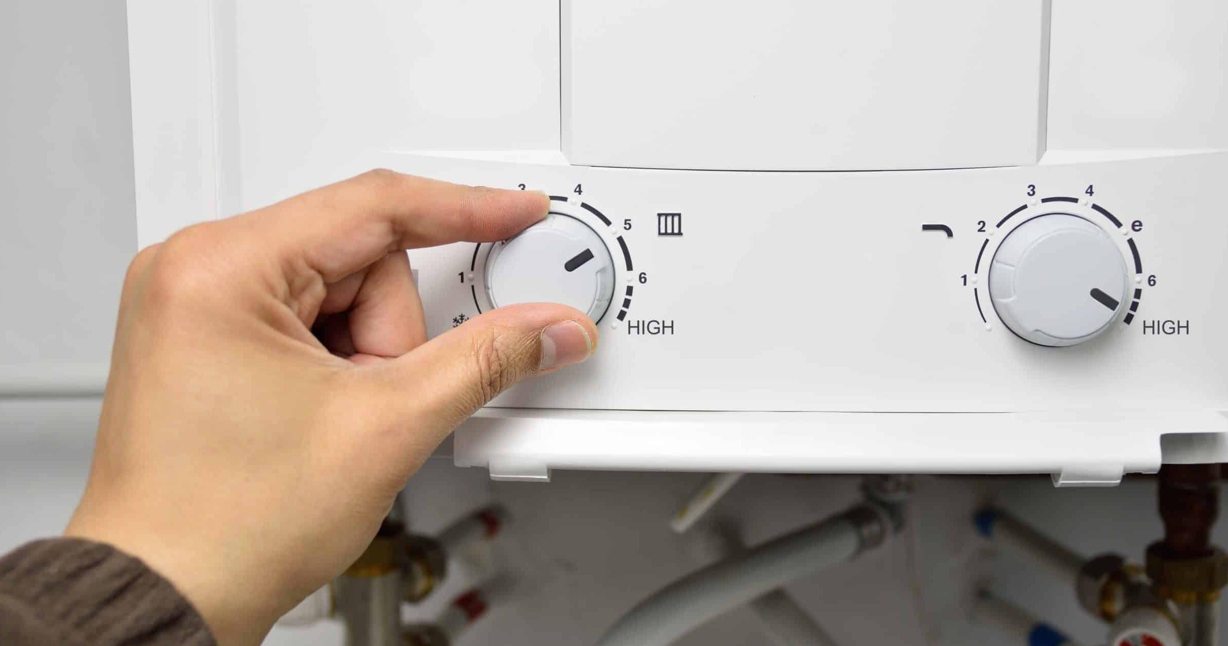 het instellen van de temperatuur van een elektrische boiler