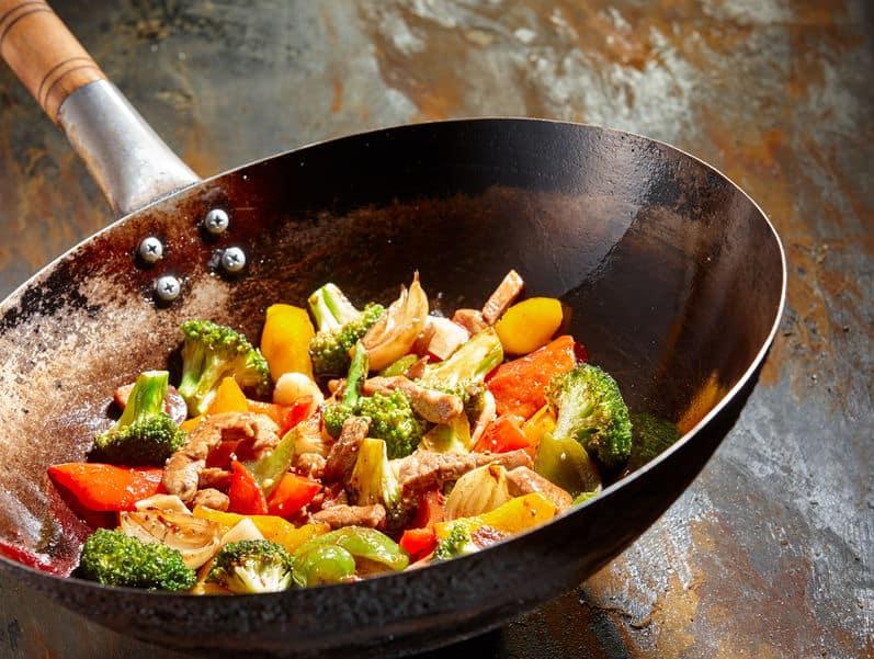 Smakelijke groenteschotel met broccoli en paprika