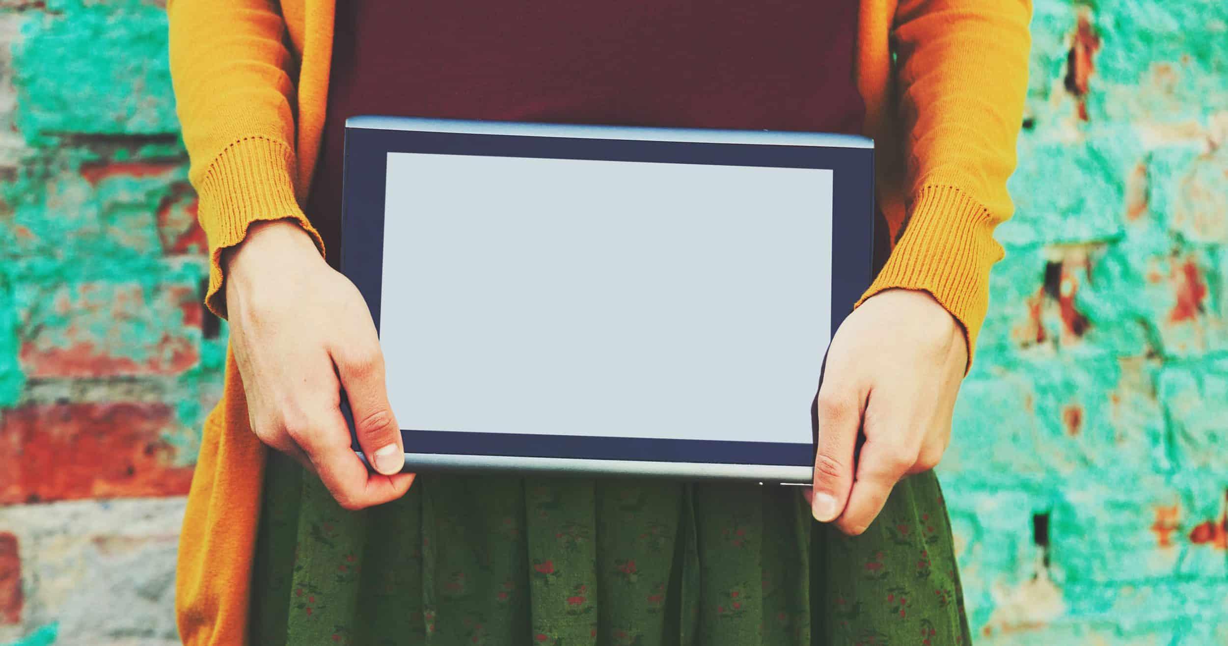 meisje met een tablet