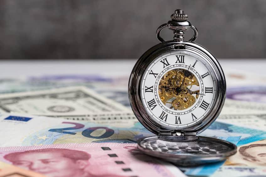 Tijd voor geld, aftellend voor het concept van de wereld financiële crisis