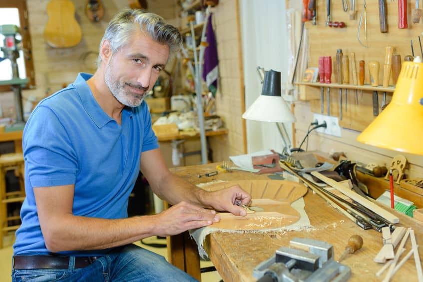 Portret van een luthier