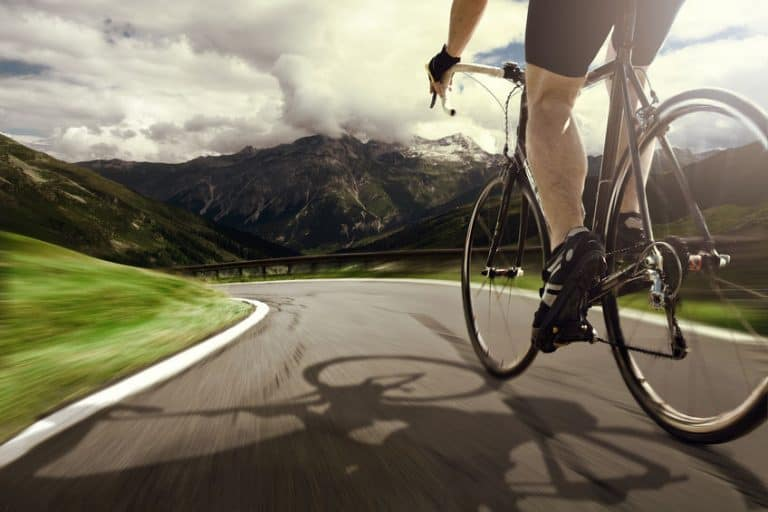 rijden fiets op de weg