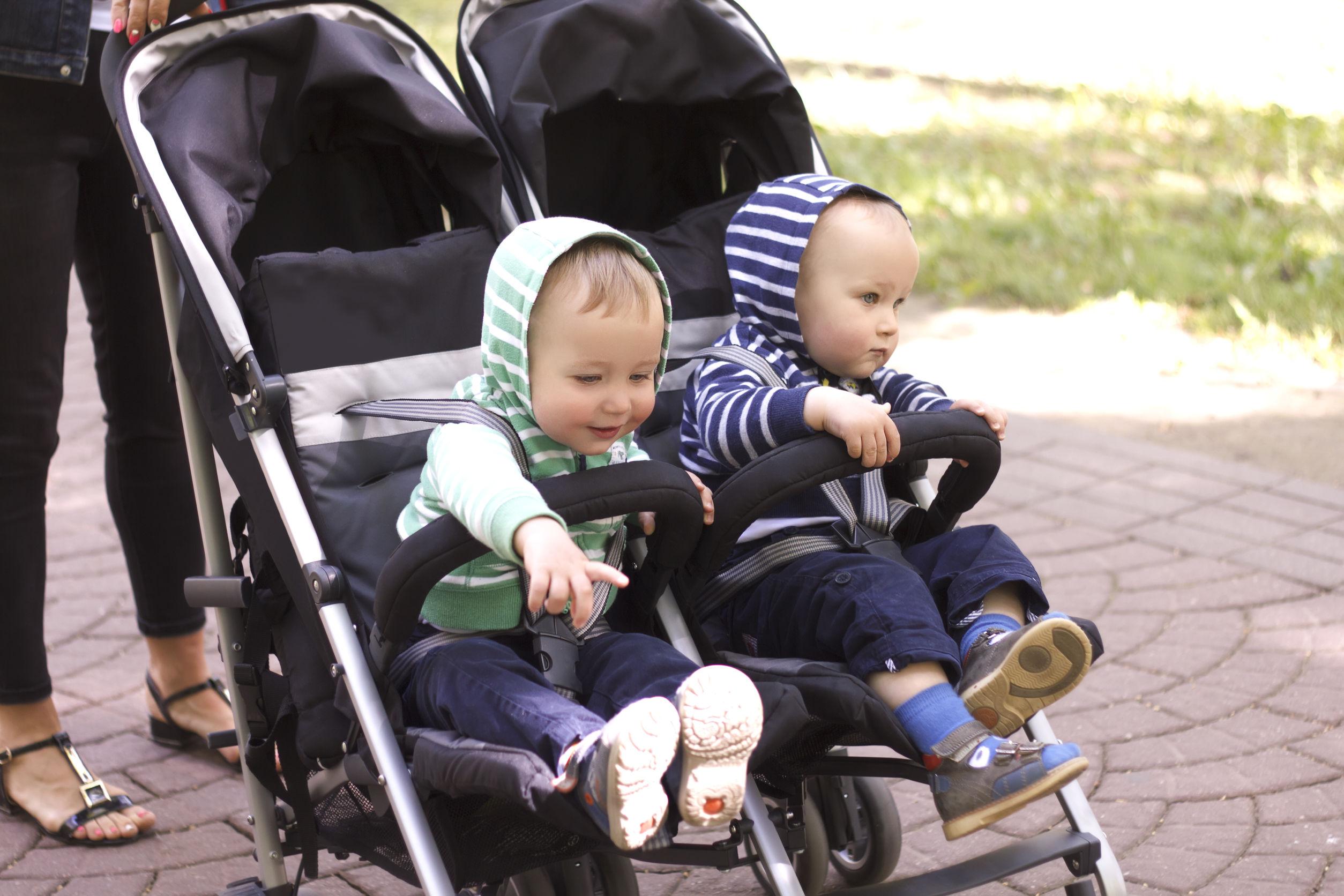 carrinho para gêmeos