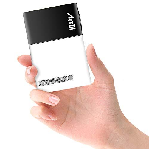 Mini Beamer Draagbaar, Artlii YG300 Video Projector voor Buitenshuis, Beamer 1080p Full HD Ondersteund, Mini Projector Compatibel met HDMI, USB, iOS, Android, TV Stick, Smartphone, Chromecast, laptop, PS4, voor Kinderen, Cadeau, Film