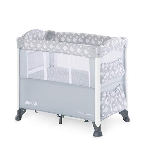Hauck Sleep N Care Plus Bijzetbed, reisbed voor baby's vanaf de geboorte tot 9 kg, neerlaatbaar zijpaneel, wielen, opbergruimte en speelgoedtassen, compact opvouwbaar, draagtas, teddygrijs